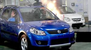 Utat ígért a miniszter a Suzuki bemutatón