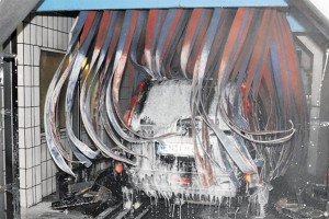 400 autót mosnak meg egy óra alatt