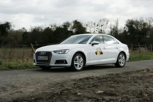 Kategóriájának szinte minden szempontból favoritja az új Audi A4-es. Csak ne úgy nézne ki, mint az elődje!