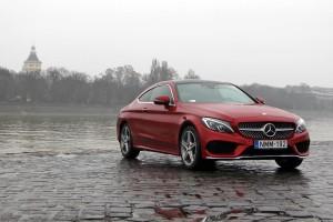 A legfeltűnőbb Mercedes 25 millión innen