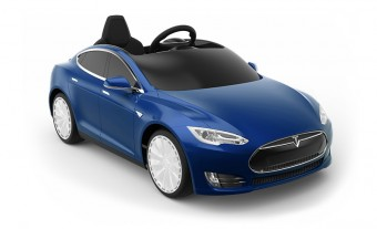 A Tesla már a gyerekekre hajt?