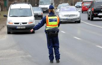 Szétcsaptak a szabálytalan teherautósok között