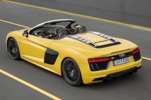 Levetkőzött az Audi R8