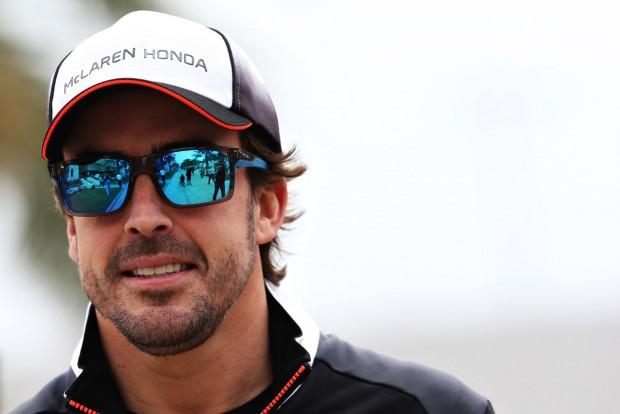 F1: Alonsót eltiltották a versenyzéstől