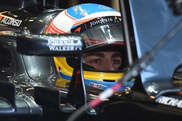F1: Így izzad Alonso a visszatérésért