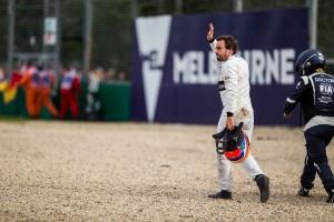 F1: Alonso biceg, kötést kapott