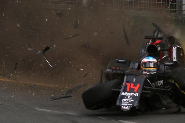 F1: Az FIA is vizsgálja Alonso balesetét