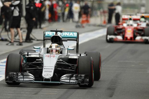 F1: Hamilton máris büntetést kapott