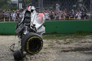 F1: Alonso átverte a halált, bezárt a Merci-játszótér