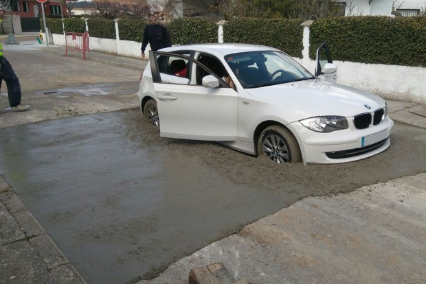 bmw-1series-stuck-fresh-cement-1