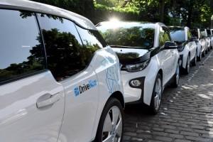 A BMW elindítja a saját Uberjét