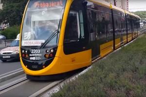 Forgalomba állt a világ leghosszabb villamosa Budapesten