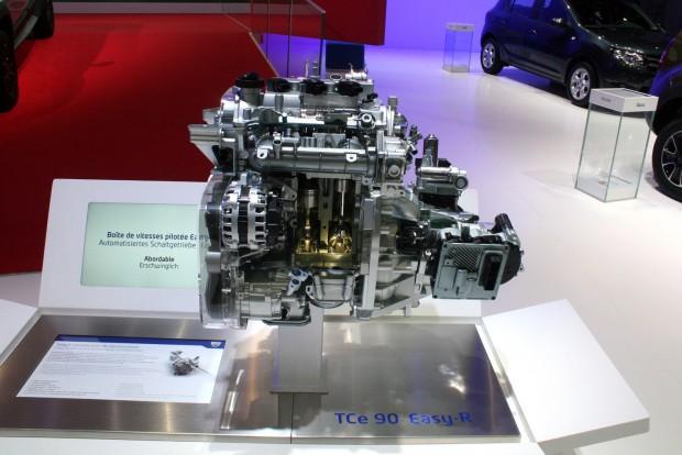 Ezen a kicsinosított motor-váltó egységen akadt meg a szemünk Genfben