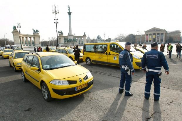 A taxisok kedden is megbénítják Budapestet