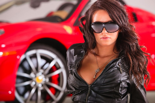 filles-sexy-voiture-2