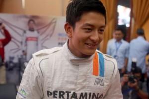 F1: Böjtöt szeg a versenyért a pilóta