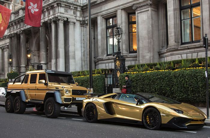 gold_supercars_02