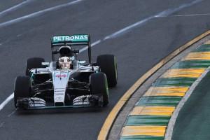 F1: Hamiltoné az év első edzése