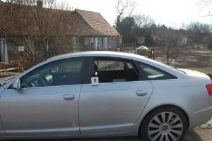 Több milliónyi értéket loptak egy feltört Audiból