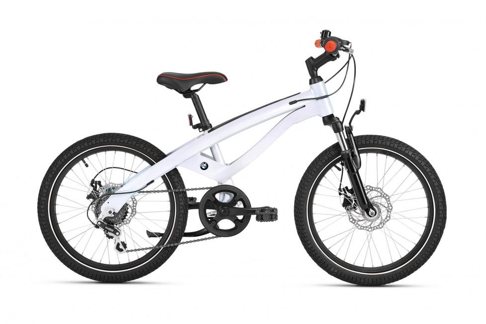 P90212211_highRes_bmw-cruise-bike-juni