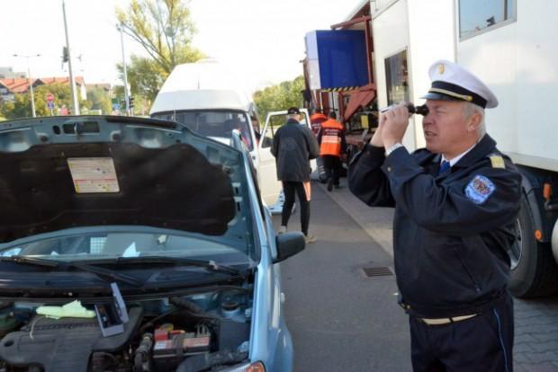 Ingyenesen átvizsgálja autóját a rendőrség