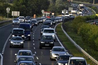 Az M1-es autópálya elesett, óriási torlódás