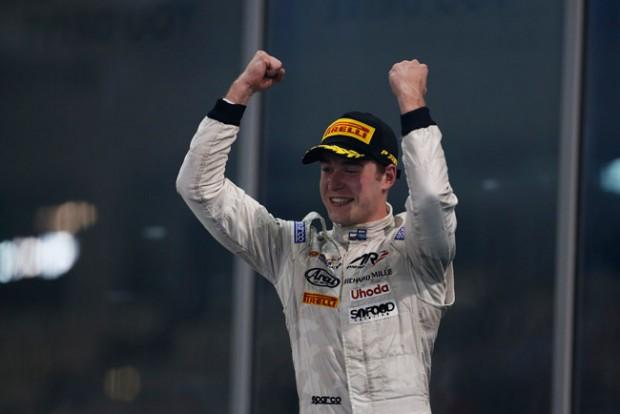 F1: Rekordbajnok ül Alonso helyére