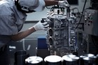 Idegnyugtató Nissan GT-R motorgyártás, ahogy csak a japánok tudják