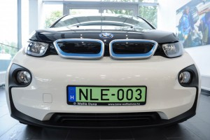 Szaporodnak az elektromos és a használt BMW-k a magyar utakon
