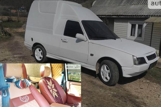 VIP furgonná tupíroztak egy Tavriát Ukrajnában
