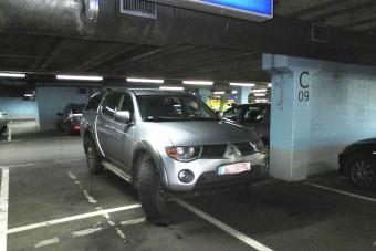 Pesten új szintre emelték a pofátlan parkolást