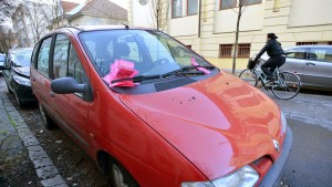 60 parkolási bírság egy autón, Szegeden