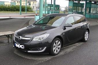 Amerikai sofőrrel kapcsolták le a lopott Opelt Röszkénél