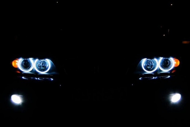 BMW E39 Angel Eyes-zal