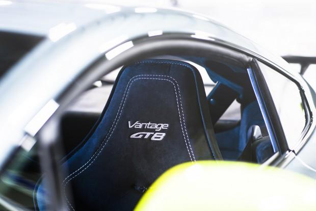 Aston Martin_Vantage GT8_13