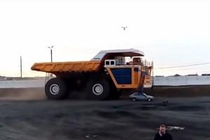 A 450 tonnás bányagép bármit a porba ültet