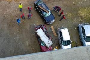 Fájdalmas baleset: betontömb pusztította el az Audit