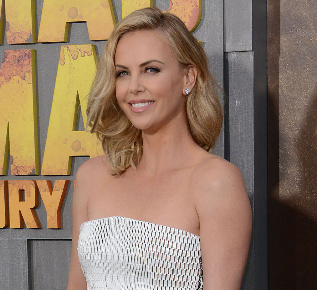 51734220 Celebrities at the Los Angeles premiere of 'Mad Max: Fury Road' at the TLC Chinese Theater in Hollywood, California on May 7, 2015. Celebrities at the Los Angeles premiere of 'Mad Max: Fury Road' at the TLC Chinese Theater in Hollywood, California on May 7, 2015. Pictured: Charlize Theron FameFlynet, Inc - Beverly Hills, CA, USA - +1 (818) 307-4813 RESTRICTIONS APPLY: NO FRANCE