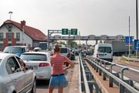 Óriási dugó az ukrán határon Záhonynál