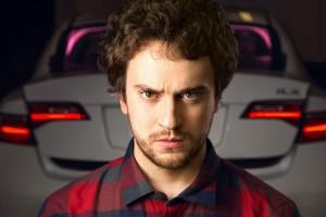 Az iPhone feltörője fejleszt önjáró autót