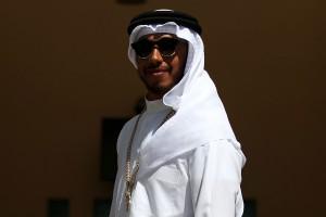 F1: Hamilton sejknek öltözött, de Rosberg a sivatag királya