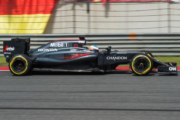 F1: Alonsóék is új turbót kapnak a hétvégén