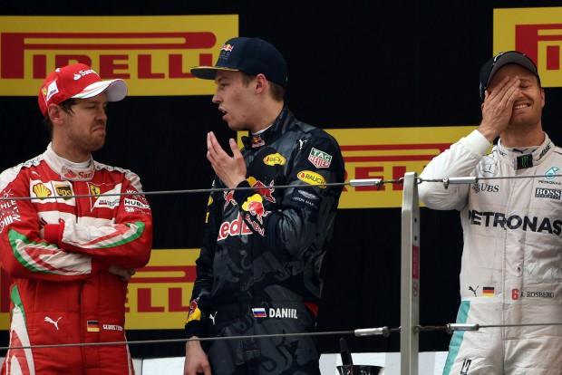 F1: Vettel és Kvjat összeveszett a rajtbaleseten