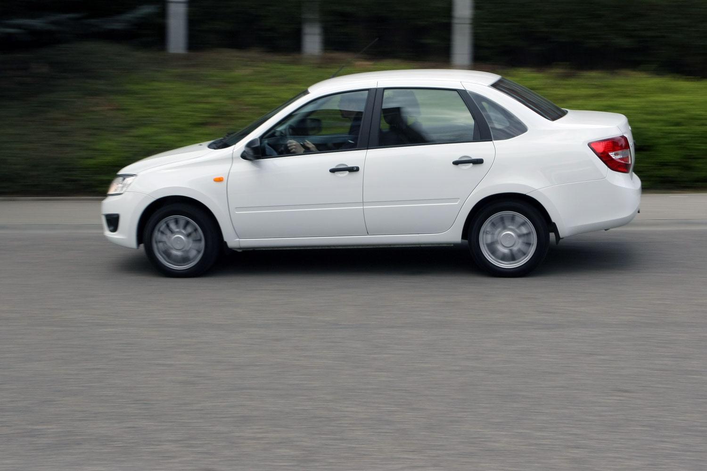 Teszten a legolcsóbb új Lada ?>