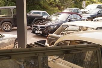 Mercedes kabriók öt méter és 40 millió felett