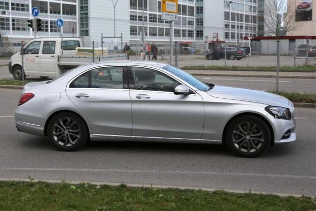Mercedes C-osztály ráncfelvarrás