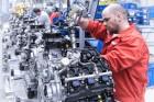 Ennyi pénzt lehet keresni a magyar autógyárakban