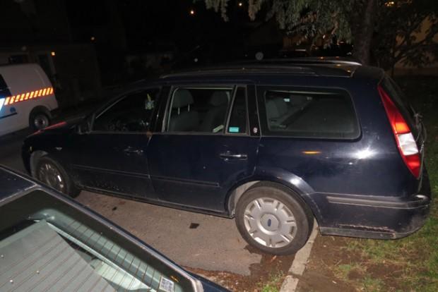 Elromlott az autója, lopni akart magának másikat