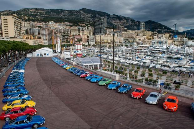 4-5. Dánia és Monaco, 465 Ft/liter. Dollárcentre azonos az üzemanyagár a messzi északon illetve az Olaszország és Franciaország közé ékelődő miniállamban. Egyik országban sem olyanok a jövedelmi viszonyok, hogy ez különösebben megterhelné a lakosságot. A képen egy Alpine-rendezvény Monte-Carlóban
