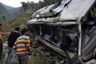 Megrázó képek: 12 halálos áldozat az indiai buszbalesetben